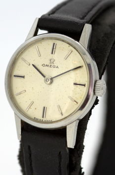 Omega - Vintage Ladies Manual Winding Wristwatch, Circa.1950's
