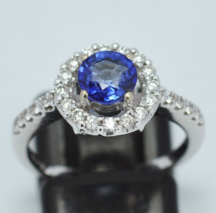 18 kt gold ring, Sapphire and diamonds, 0,40 ct size 12 (IT) / 16,30 mm internal diameter