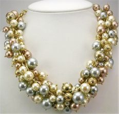Isaac Mizrahi - Designer  Faux pearl cluster necklace