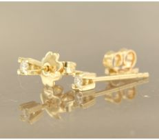 14 kt yellow gold solitaire ear studs with brilliant cut diamond, approx. 0.26 ct in total - 3.6 mm