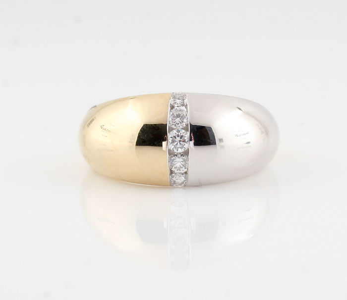 14 kt yellow and white gold diamond ring, 0.26 ct / 5 round brilliants / G-H-VS2-VS1 / 5.40 g & 56.5 ring size / 'NEW'