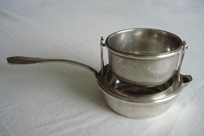 Heavy silver tea strainer - France - 19th century