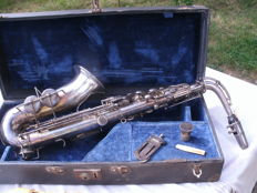 Vintage Silver-Plated Alto Saxophone Attributed to Couesnon - Early 20th Century
