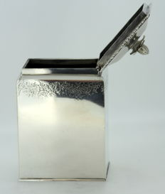 Antique George III sterling silver tea caddy with floral engravings, London 1762, William Abdy