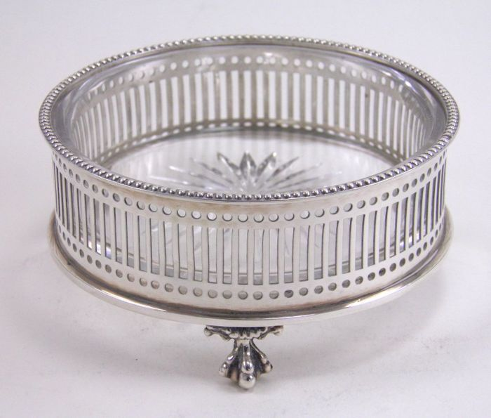 Silver & cut glass butter dish, William Comyns & Sons Ltd (Charles & Richard Comyns), London 1925