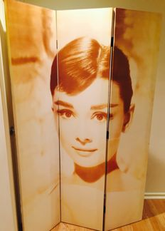 Audrey Hepburn room screen