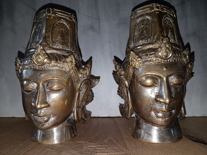 Set of copper/brass heads of the goddess Tara - Tibet - approx 1960.