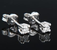 14 kt white gold, solitaire ear studs set with brilliant cut diamonds - 3.4 mm