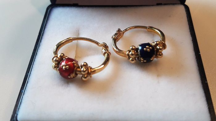 22K earrings set whit red and blue pearl 14,82 mm diameter *** No Reserve ***