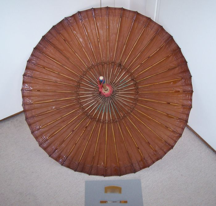 Two geisha supplies (hair set and dancing umbrella) - Japan - first half 20th century