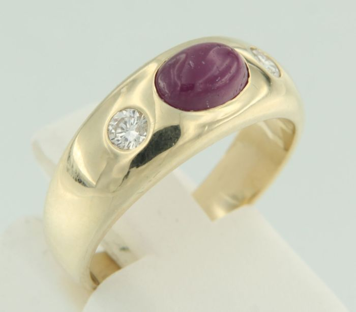 14 kt yellow gold ring with ruby and brilliant cut diamonds, ring size: 17 (53)