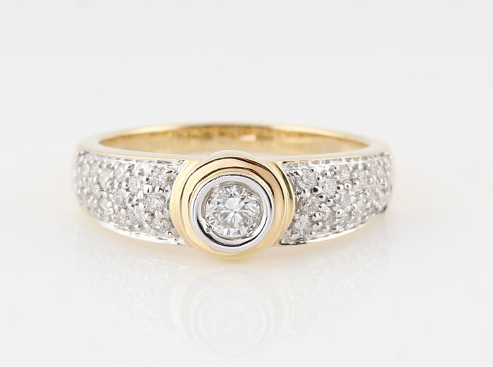 14 kt gold diamond ring 0.51 ct / 37 round brilliants / G-H VS2-SI1 / 4.80 g / 56 / ´NEW´