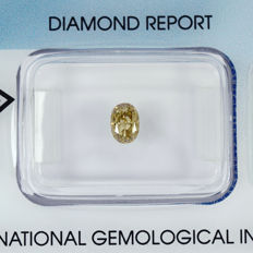 0.49 ct diamond, VS2 oval