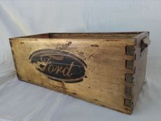 "Antique workshop case with ""Ford"" print - 1950s/60s container for garage tools."