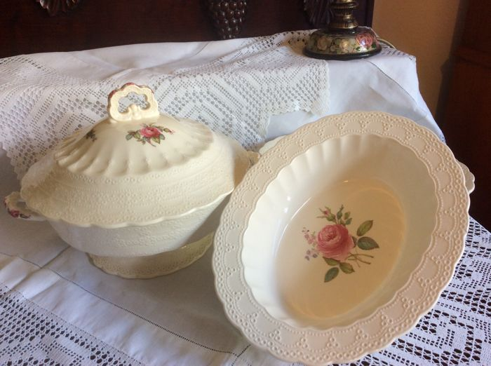 1 Large  lidded tureen and 2 oval rimmed vegetable bowls by Spode England