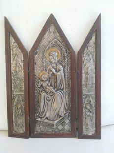 Antique Byzantine Deco votive icon, in the shape of a temple and folding, in leather-covered wood with carvings depicting the Madonna, baby Jesus and Saints