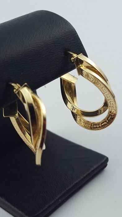 14 K Hollow Gold Earrings , length:22 mm