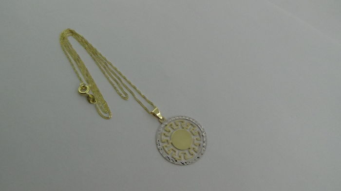 14 kt gold Singapore necklace with pendant – Length: