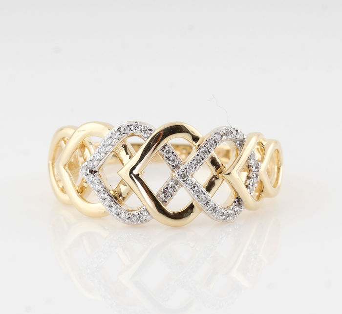 "14 kt yellow gold diamond ring 0.11 ct / 42 round brilliant cut diamonds / G-H-VS2-VS1 / 3.90 g & 56.5 ring size, ""NEW"""