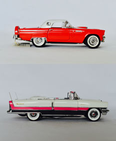 Franklin Mint - Scale 1/24 - 1956 Ford Thunderbird red & 1955 Packard Caribbean Convertible