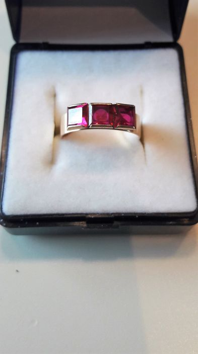 14k yellow gold ring whit 3 big  red ruby. Year 1963 ***** No Reserve *******