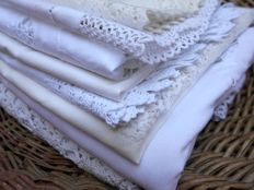 A large lot containing Italian household linen