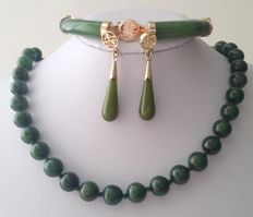 Vintage gold plated Jade-Nephrite set of a necklace, earrings & bracelet, 1970s
