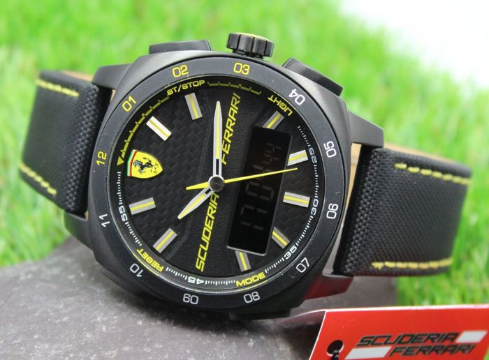 Scuderia Ferrari Mens Aero Evo Analogue - Digital Watch - New & Perfect Condition