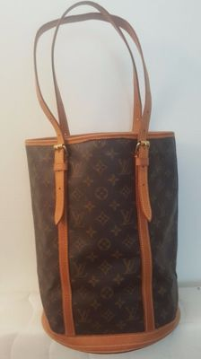 Louis Vuitton- Bucket GM- Shoulder bag