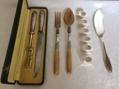 Silver plated salad cutlery, carving set 6 silver plated napkin rings. France. Early 20th century.