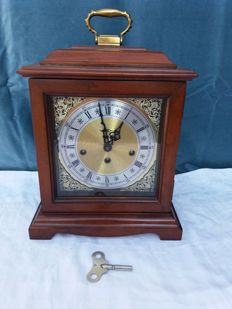 Table clock - Howard Miller - USA - Presumably 1982