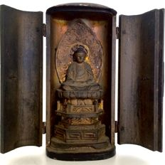 Old and detailed Buddhist butsudan or home altar - Japan - late 19th century