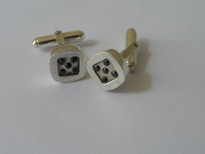 Geometrical cufflinks in 925 silver with black onyxes