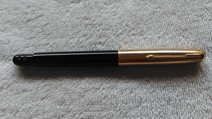 Italiener, Varies LUS Giubileo 53 black and rolled gold with adjustable nib 14 K fine tip gold nib