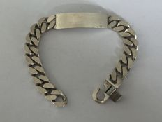Heavy silver link bracelet with name tag - 21 cm