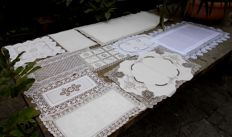 10 pieces of antique and vintage doilies