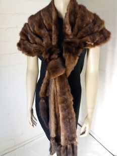 Gorgeous stole of mink fur in new condition, 220 cm long!