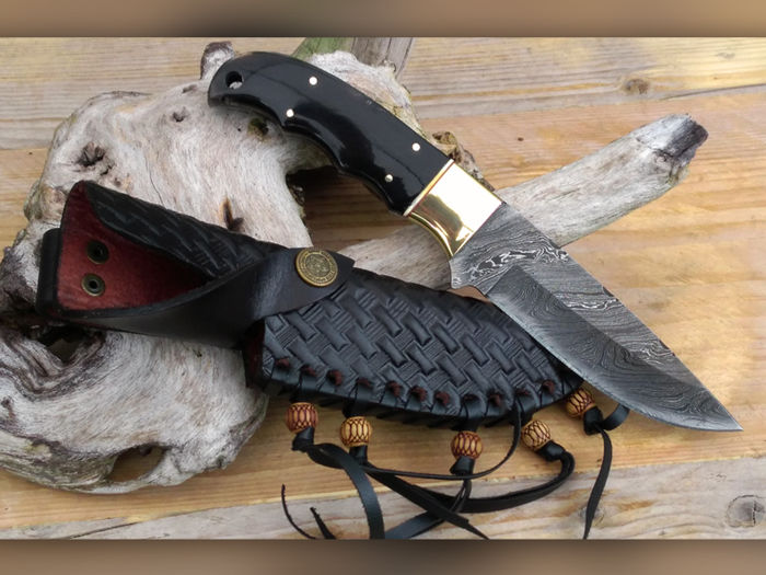 Very beautiful full tang damascus steel hunting knife, Germany