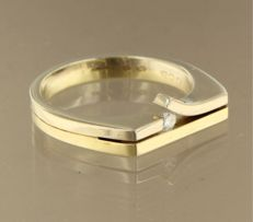 14 kt bi-colour gold ring set with diamond, approximately 0.08 ct - ring size 19 (59)