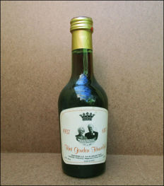 Bottle of red wine on the occasion of the golden wedding of Bernhard and Juliana
