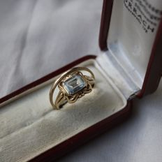 ca. 1880/1900 Pair of 8kt. gold rings: One  with Aquamarine  and the other an engagement ring.