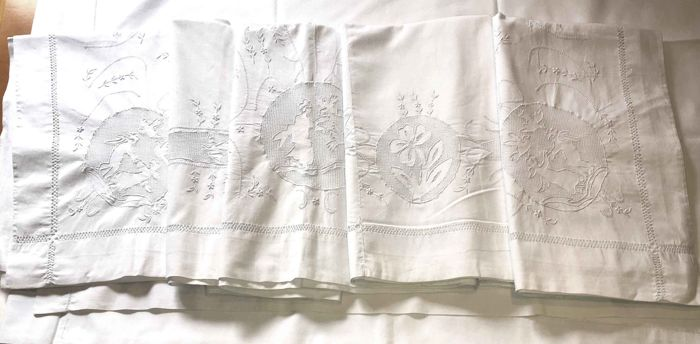 Double sheet in precious linen with hand embroidery Sicilian 'sfilato' - complete with two nightstand covers, Italy, circa 1900