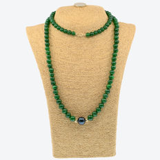 18k/750 yellow gold necklace with emeralds and South Sea cultured pearl - Length: 95 cm