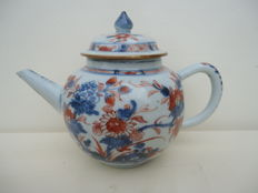 Imari teapot -China - 18 th century
