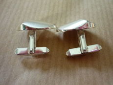 835 Silver cufflinks oval shaped - sophisticated design