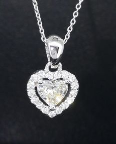 Pendant with hart-shaped diamond of 0.35 ct & 18 diamonds of 0.50 ct in total - No reserve price -