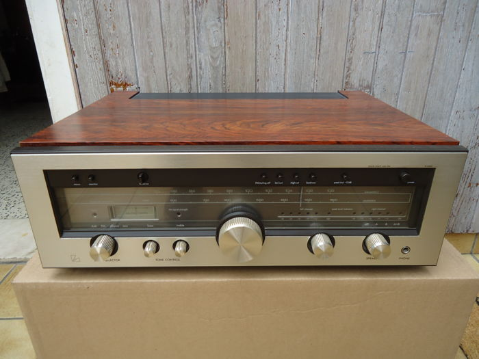 very nice luxman r 1040 amplifier tuner in mint condition catawiki. Black Bedroom Furniture Sets. Home Design Ideas