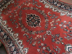 Beautiful hand made rug, India, good condition, 250x170cm