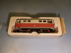 Liliput H0e - 908 - Diesel locomotive narrow-gauge 2095.04 red cream
