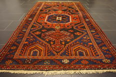 Persian carpet, Malayer, Hamadan, 127 x 215 cm. Natural colours. Made in Iran circa 1950/1960.